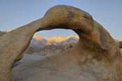 Photo: dd001542      Mobius Arch, Alabama Hills, Sierra Nevada, California, USA