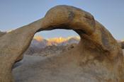 Photo: dd001542 Mobius Arch, Alabama Hills, Sierra Nevada, California, USA